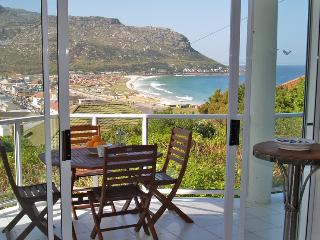2 bedroom Apartment with Internet Access in Fish Hoek - Fish Hoek vacation rentals