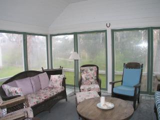 Adorable Oak Bluffs Cottage (398) - Massachusetts vacation rentals