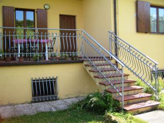 Trilocale in nuova Villetta 4 apt panoramica - Apecchio vacation rentals