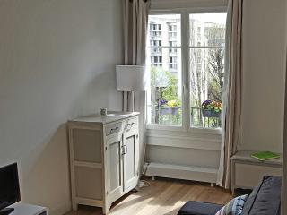 Cosy and bright - Perfect to visit Paris - Paris vacation rentals
