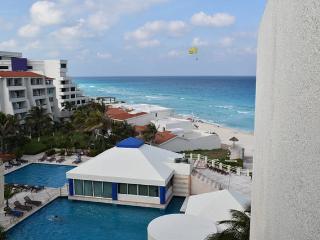 Solymar ocean front Studio 1905 Hotel Zone - Cancun vacation rentals