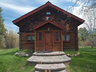Elegant log home offers the best of contemporary and classic - Wilson vacation rentals