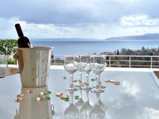 2 bedroom Villa with Internet Access in Icici - Icici vacation rentals