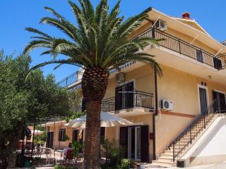Bright 2 bedroom Vacation Rental in Brela - Brela vacation rentals
