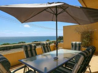 4 bedroom House with Internet Access in Mornington - Mornington vacation rentals