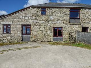 FOXES, barn conversion, shared lawned garden, off road parking, Lanivet, Ref 936311 - Lanivet vacation rentals