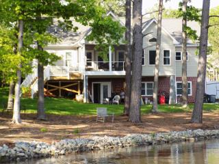 Lake Gaston New 5 bedroom 4 bath Lakefront home - Gaston vacation rentals