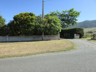 HILLVIEW B & B - Waimate vacation rentals
