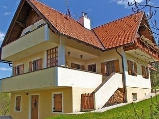 Lovely House with Internet Access and Dishwasher - Arnfels vacation rentals