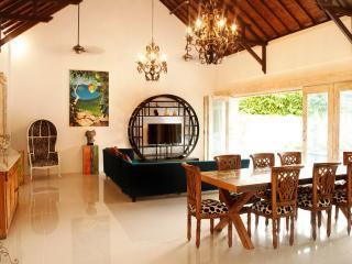 CAPTIVATING VILLA 2 BAMBOO MOON VILLAS BEACH SIDE - Sanur vacation rentals