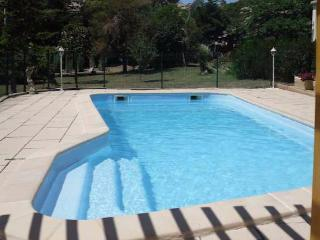 Cheap French gite holidays with pool near Narbonne and the beach sleeps 7 - Moussan vacation rentals