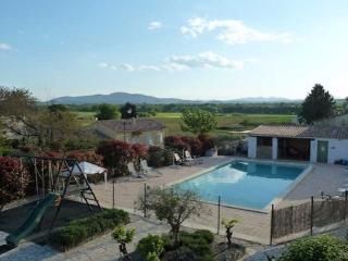 La Bastide des Lavendieres, Rural French gites, pool sleeps 2-6 (Ref: 396) - Canaules-et-Argentieres vacation rentals