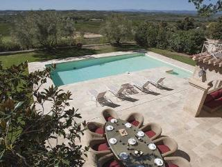 Languedoc villa, near Pezenas with pool (Ref: 258) - Pezenas vacation rentals