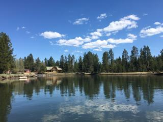 RIVERFRONT Home on the Big Deschutes near Sunriver - Bend vacation rentals