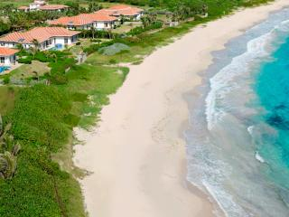 True Beachfront, Ideal for Families & Groups, Private Pool, Short Distance to Restaurants - Guana Bay vacation rentals