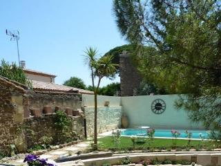 French holiday cottages for rent, Montblanc, South France (Ref: 882) - Montblanc vacation rentals