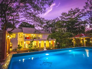 THE JOURNEY POOL VILLA RENTAL THE RIVER KWAI/8BRs - Kanchanaburi vacation rentals