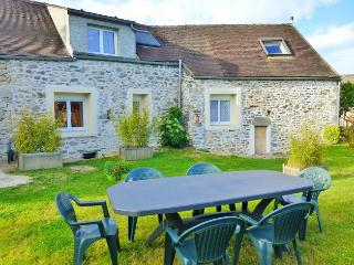 Nice House with Internet Access and Television - Rouvray (Cote-d'Or) vacation rentals