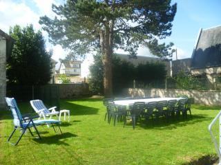 Gîte avec jardin, à 100m de la plage - Grandcamp-Maisy vacation rentals