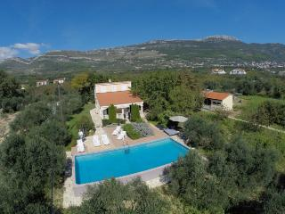 Cozy house with pool - Kaštel Novi vacation rentals