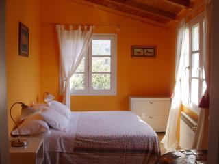 Ai Cinque Campanili - camera ARANCIO - Finale Ligure vacation rentals