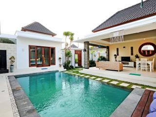 Beachside Location & Great Value - Pohon Villas - Seminyak vacation rentals