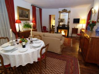 Quiet apartment on Ile Saint Louis - Paris vacation rentals