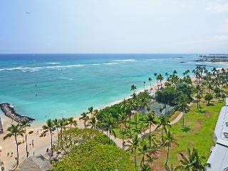 Beachfront location with GREAT view! Washer/dryer,  A/C, WiFi, sleeps 4. - Waikiki vacation rentals
