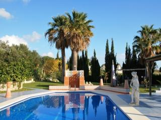 Casa Harriet - Lovely villa with pool and garden - Mijas Pueblo vacation rentals