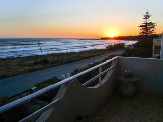 """House with sea view """"U scrusciu du mari"""" - Donnalucata vacation rentals"""