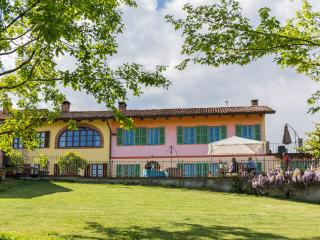 "Ferienhaus  Villa ""Piemonte"" - Tigliole vacation rentals"
