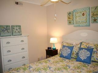 Oceanfront 1 Bedroom villa with Private Oceanfront Balcony! - Hilton Head vacation rentals