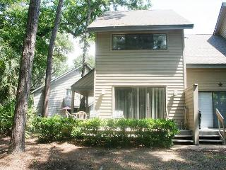 2 Bedroom Townhouse on Golf Course. Walking Distance to the Beach! - Hilton Head vacation rentals