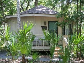 1 Bedroom Villa in Sea Pines Walking Distance to the Beach & Pet Friendly! - Hilton Head vacation rentals