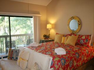 Pet Friendly Townhouse with Partial Golf Views & Pool on Site. - Hilton Head vacation rentals