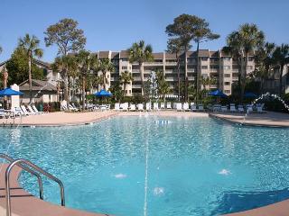 Beautiful 2 Bedroom Villa with Pool and Ocean Views! - Hilton Head vacation rentals