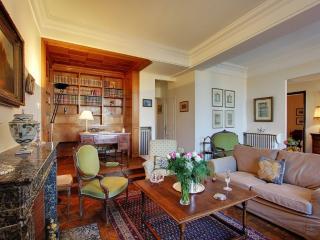 Luxury 2 bedrooms  / 2bathroom on Ile Saint Louis - Paris vacation rentals