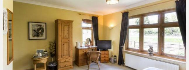 Homelea Bed and Breakfast Kingfisher Room - Chilham vacation rentals