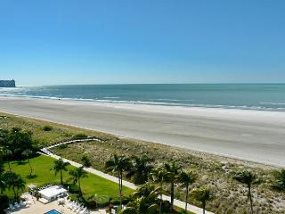 Beachfront condo w/ mesmerizing ocean views - Marco Island vacation rentals