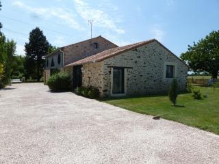 gîte rural 8-10 personnes 160 m² en Val de LOire - Les Cerqueux-sous-Passavant vacation rentals