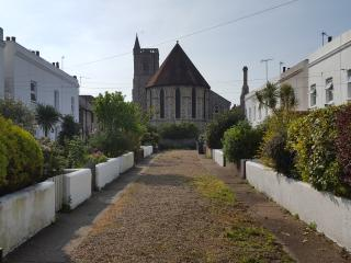 PARADE COTTAGE a lovely 2 bedroom period cottage . - Eastbourne vacation rentals