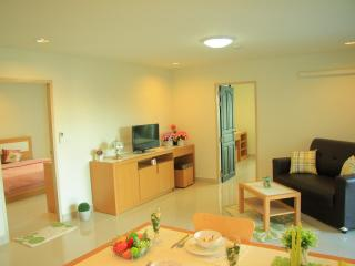 Executive Suite - Two Bedroom  - 3 - Bangkok vacation rentals