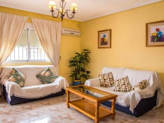 Nice Bungalow with Internet Access and A/C - Cabo Roig vacation rentals