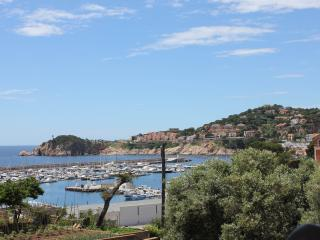 Marona, stroll to beach/centre - all year round! - Sant Feliu de Guixols vacation rentals