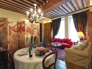 Elegant stay on this Large studio Ile Saint Louis - Paris vacation rentals