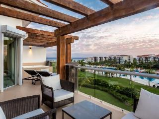 Condo Mareazul (336N) - A luxurous three-bedroom condo with private hot tub and balconies that overlook the ocean - Playa del Carmen vacation rentals