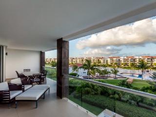 Condo Mareazul (325S) - A Lovely Two-bedroom Condo Within the Mareazul Condominium Community - Playa del Carmen vacation rentals