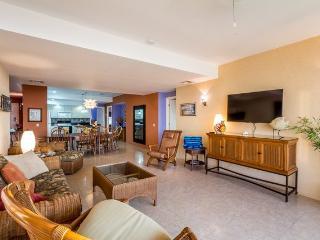 Casa de Colores (3AS) - Local Color and World-Class Comfort in One Incredible Condominium - Cozumel vacation rentals