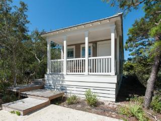 Quiet 2 BR Blue Mtn Cottage-Bonfires and Football - Santa Rosa Beach vacation rentals
