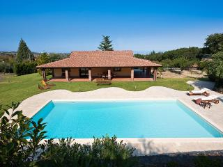 Bright 3 bedroom Trecastagni Villa with Internet Access - Trecastagni vacation rentals